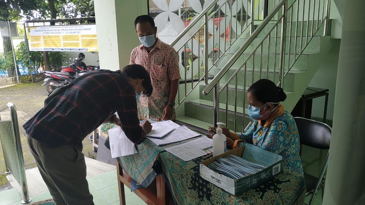 Penerimaan KMS Kelurahan Muja Muju 2021