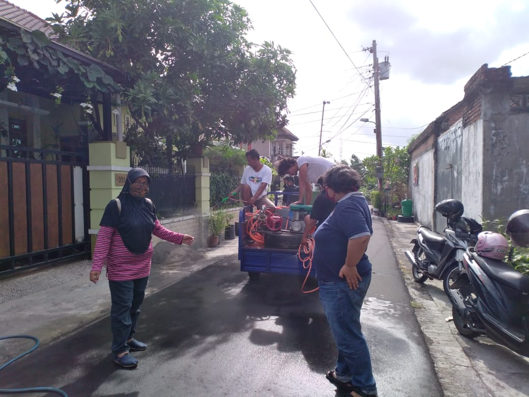 Kerja bakti Kesiapsiagaan bencana Covid 19 di wilayah kampung Balirejo Kelurahan Muja Muju